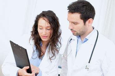 Infirmières auxiliaires et assistantes médicales